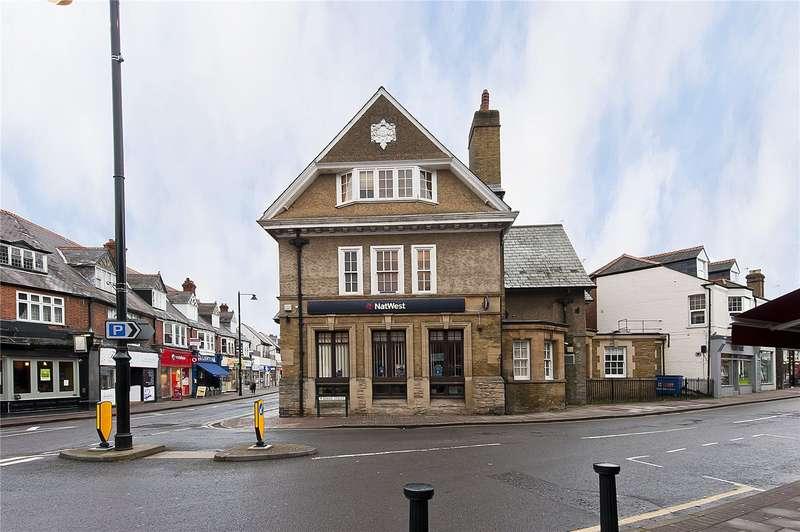 2 Bedrooms Flat for sale in High Street, Weybridge, Surrey, KT13
