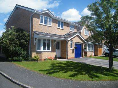4 Bedrooms Detached House for sale in Leven Avenue, Winsford, Cheshire, England
