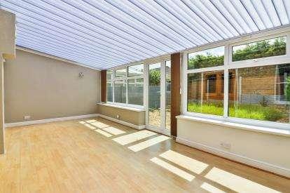 2 Bedrooms Semi Detached House for sale in Elliott Street, Burnley, Lancashire