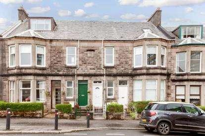3 Bedrooms Flat for sale in Finnart Street, Greenock