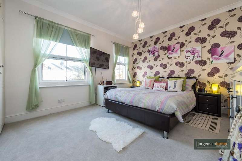 3 Bedrooms House for sale in Napier Road, Kensal Green, London, NW10 5XJ