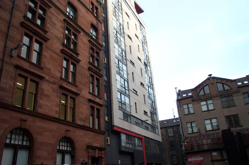 2 Bedrooms Flat for rent in Holm Street, City Centre, Glasgow