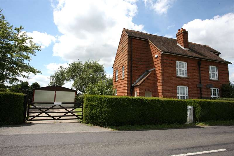 2 Bedrooms Semi Detached House for sale in Poyle Corner Cottages, White Lane, Tongham, Farnham, GU10