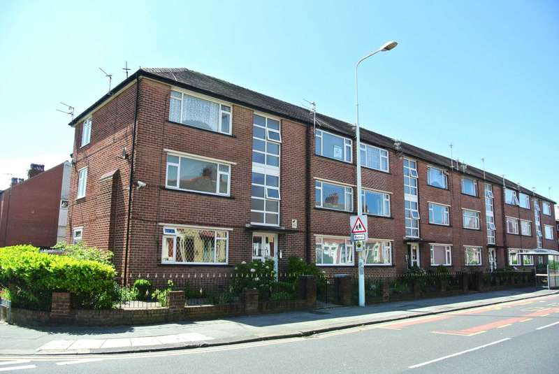 2 Bedrooms Flat for sale in Grasmere Road, Blackpool, FY1 5HP
