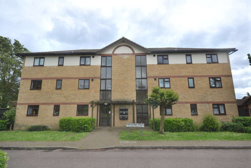 1 Bedroom Flat for sale in Chenies Way, Watford