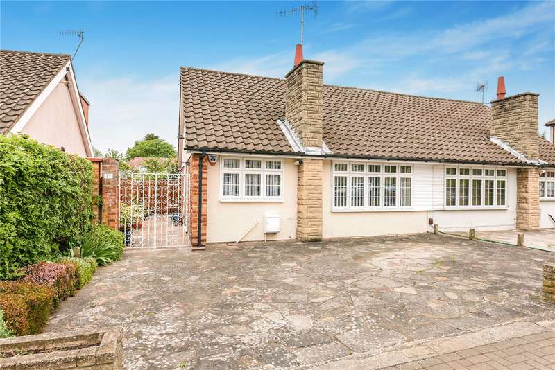 2 Bedrooms Bungalow for sale in The Crescent, Harrow, Middlesex, HA2