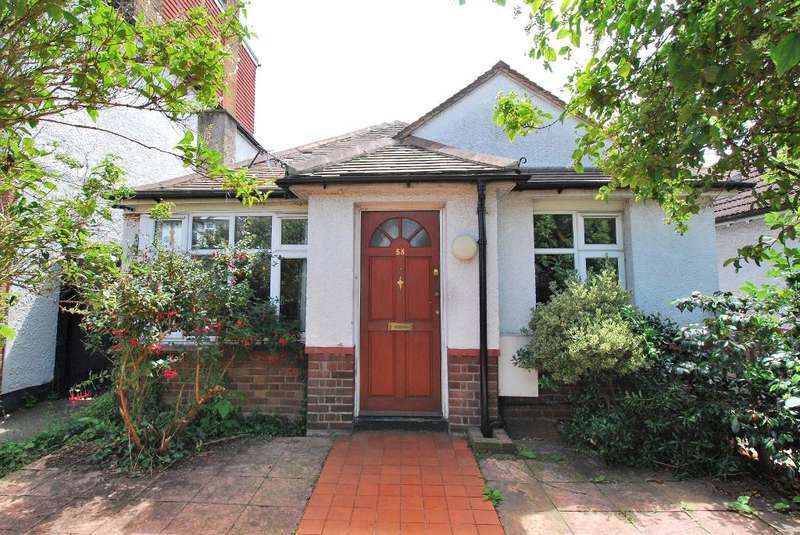 2 Bedrooms Bungalow for sale in Erlesmere Gardens, Ealing, London, W13 9TZ