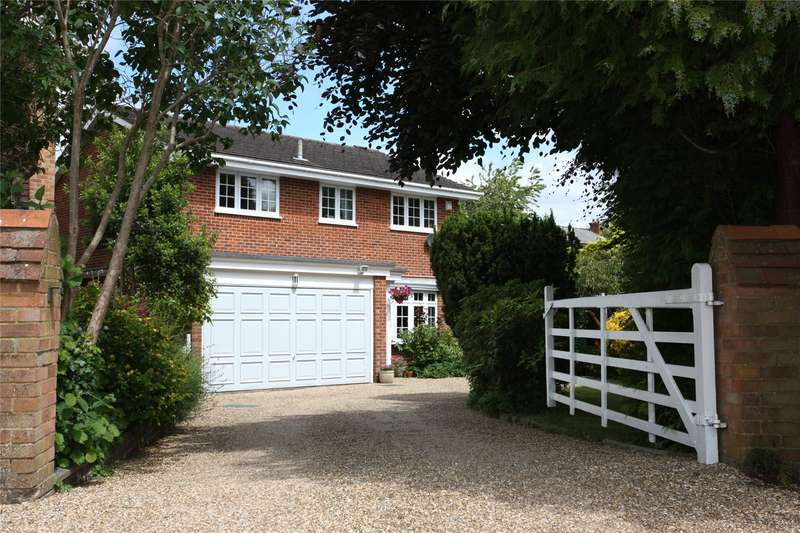 4 Bedrooms Detached House for sale in Oast House Crescent, Farnham, Surrey, GU9