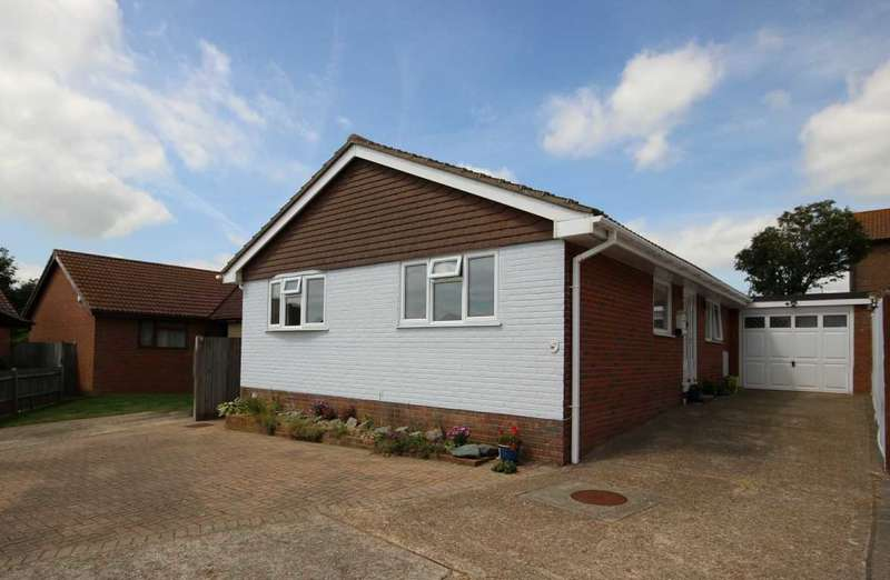 3 Bedrooms Bungalow for sale in Chatsworth Avenue, Telscombe Cliffs, Peacehaven