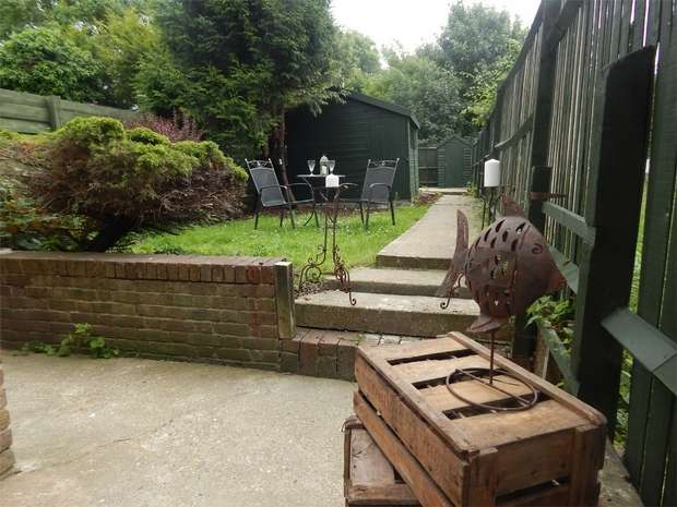 1 Bedroom Flat for sale in Goldsmith Terrace, Croydon Road, Penge, London