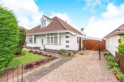 3 Bedrooms Bungalow for sale in Timberdine Avenue, Battenhall, Worcester, Worcestershire