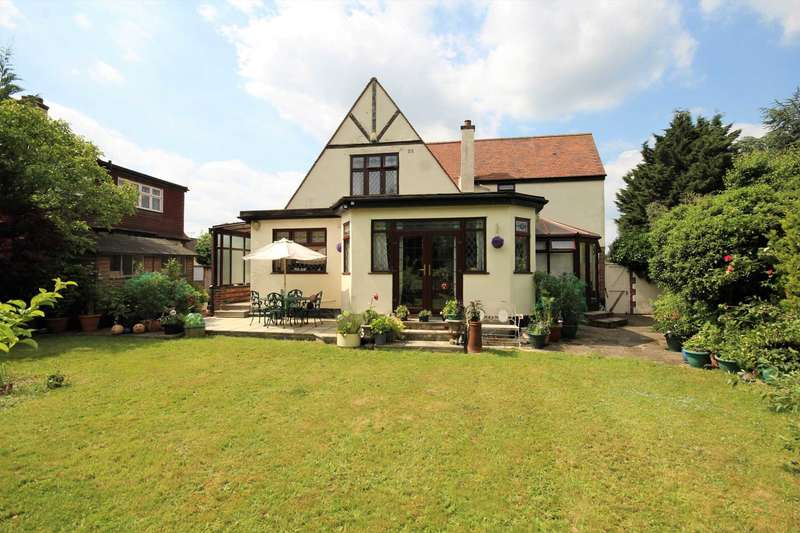 3 Bedrooms House for sale in Rosemary Avenue, Gidea Park