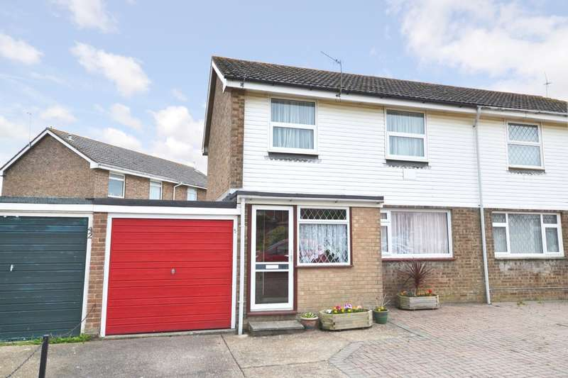 3 Bedrooms Semi Detached House for sale in School Crescent, Godshill, Isle Of Wight