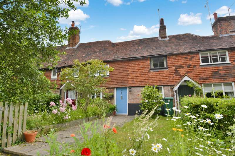 2 Bedrooms House for sale in School Hill, Merstham, Surrey, RH1 3EG