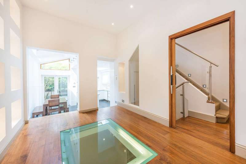 5 Bedrooms House for sale in Silver Crescent, Gunnersbury, W4