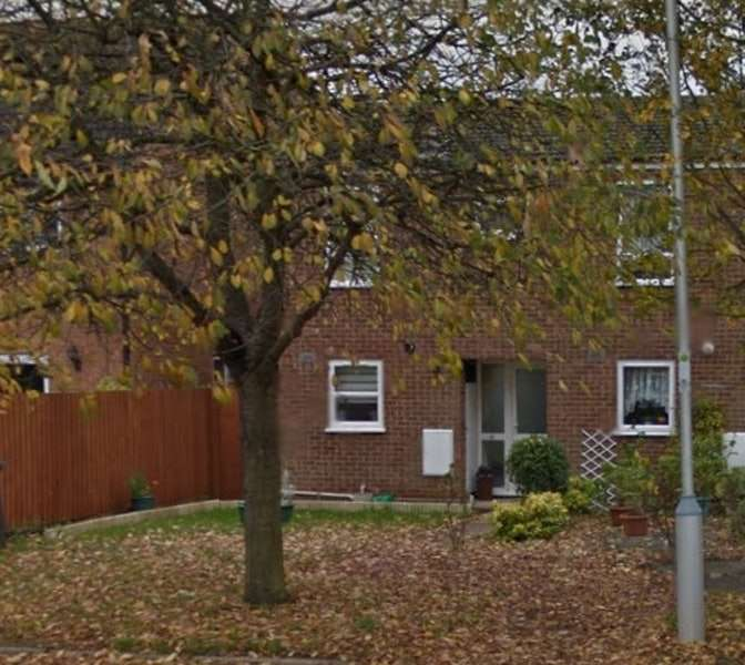 2 Bedrooms Terraced House for sale in Maple Drive, Shefford, Bedfordshire, SG17