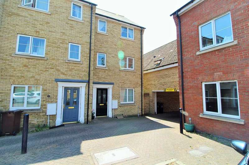 4 Bedrooms Town House for sale in Hutley Drive, Mile End, Colchester