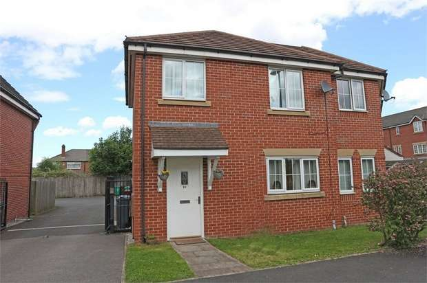 2 Bedrooms Semi Detached House for sale in Rawsthorne Avenue, Manchester