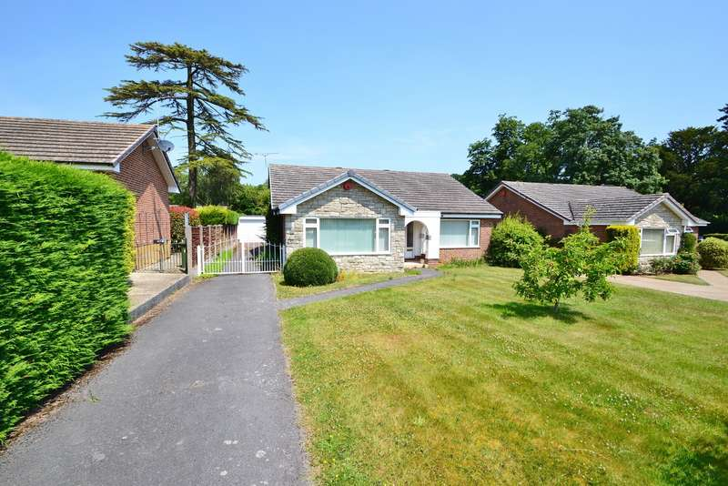 3 Bedrooms Detached Bungalow for sale in Canford Magna