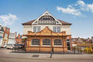 1 Bedroom Flat for sale in Morehall, Cheriton High Street, Folkestone, Kent