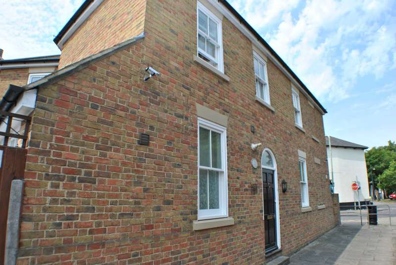 4 Bedrooms Semi Detached House for sale in Hollow Lane, Canterbury