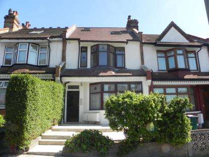 1 Bedroom Flat for sale in Priory Villas, Colney Hatch Lane, London