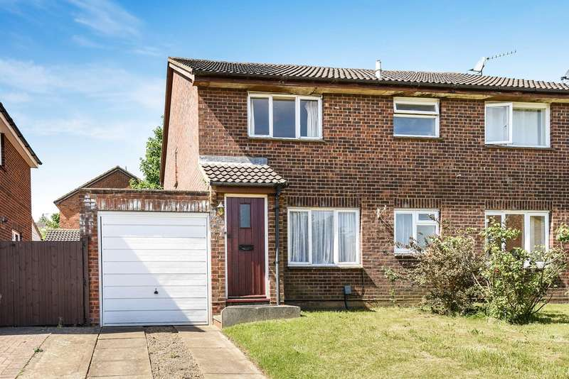 2 Bedrooms Semi Detached House for sale in Coleridge Close, Hitchin, SG4