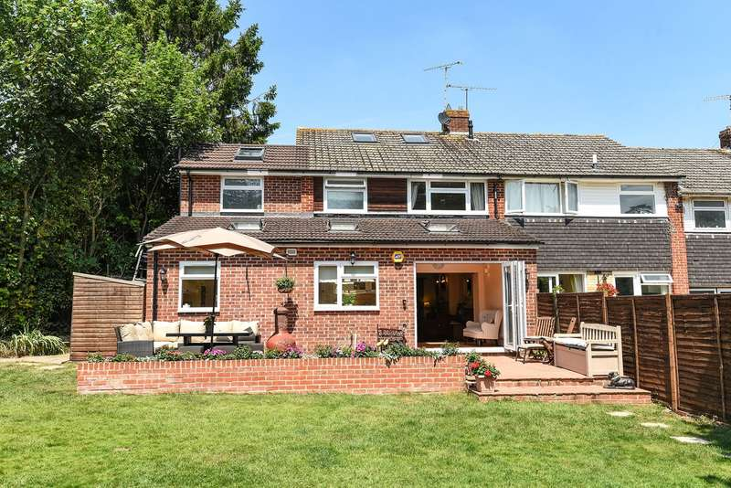 4 Bedrooms End Of Terrace House for sale in Lingfield Close, Old Basing, Basingstoke, RG24