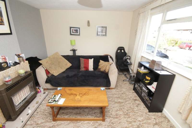 3 Bedrooms Semi Detached House for sale in West Place, Oswestry, Shropshire, SY11