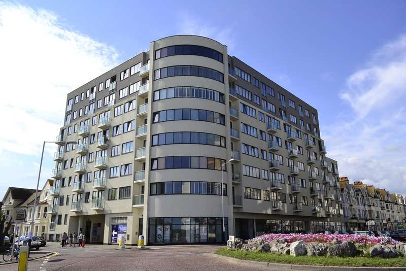 2 Bedrooms Flat for sale in The Landmark, Bexhill-On-Sea, TN39