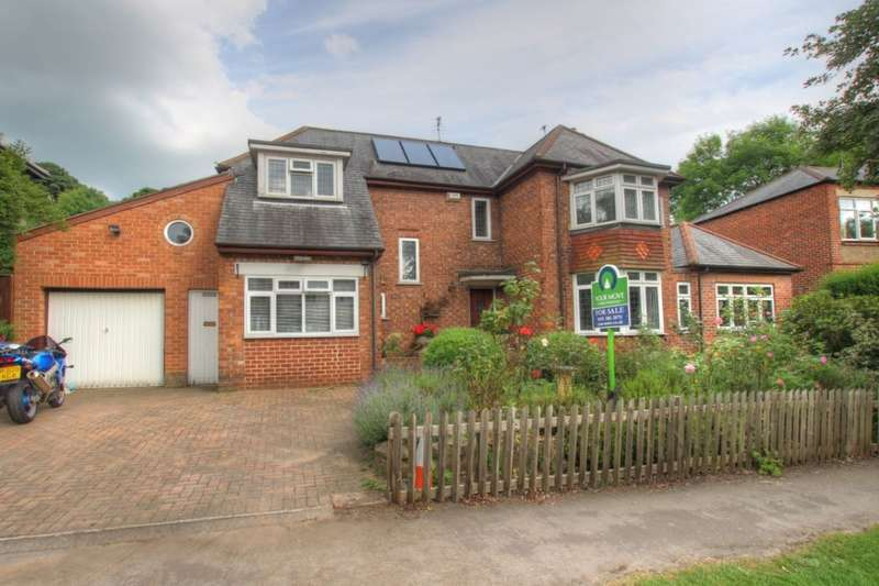 4 Bedrooms Detached House for sale in Whinney Hill, Durham, DH1