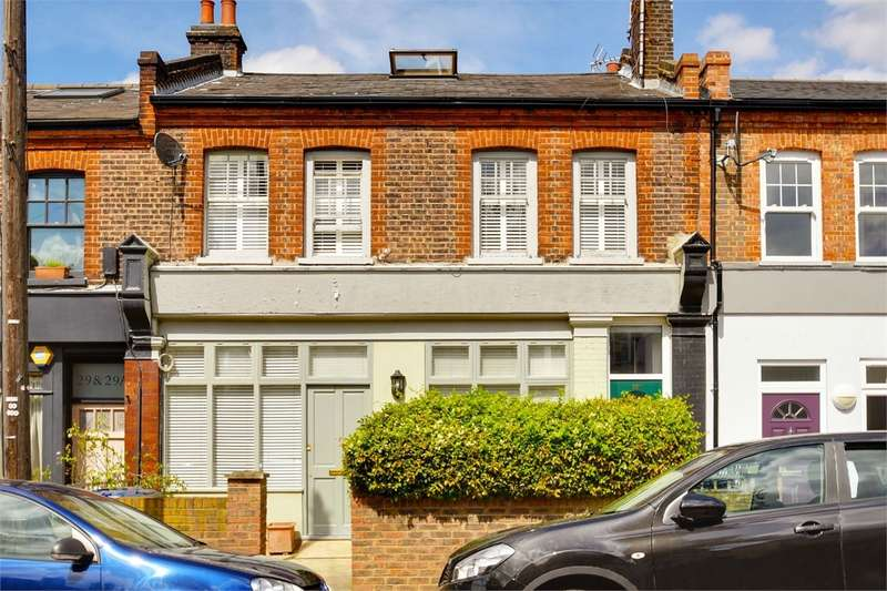 2 Bedrooms Flat for sale in Wetherill Road, Muswell Hill, London