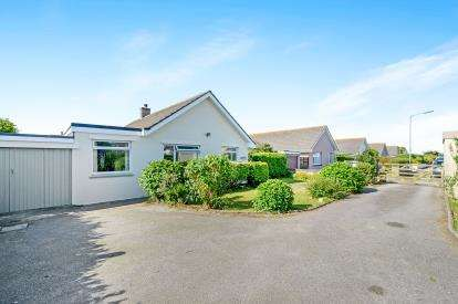 4 Bedrooms Bungalow for sale in Newquay, Cornwall