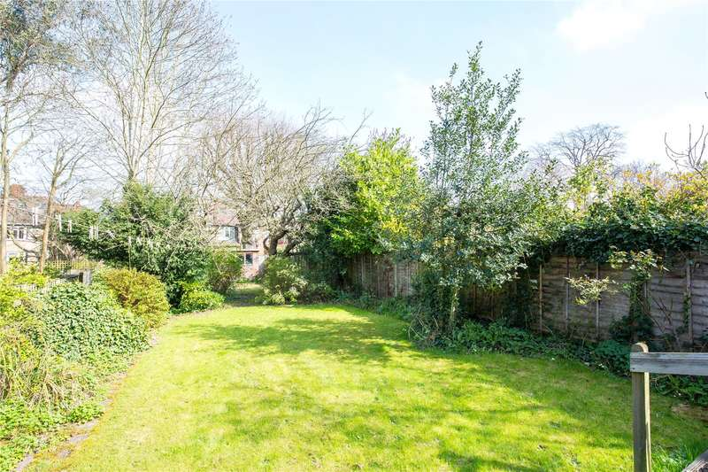 5 Bedrooms Semi Detached House for sale in Windsor Road, Finchley, London, N3