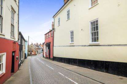 2 Bedrooms Terraced House for sale in Bungay, Suffolk