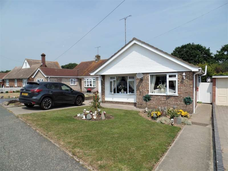 2 Bedrooms Detached Bungalow for sale in Gorse Lane, Gt Clacton