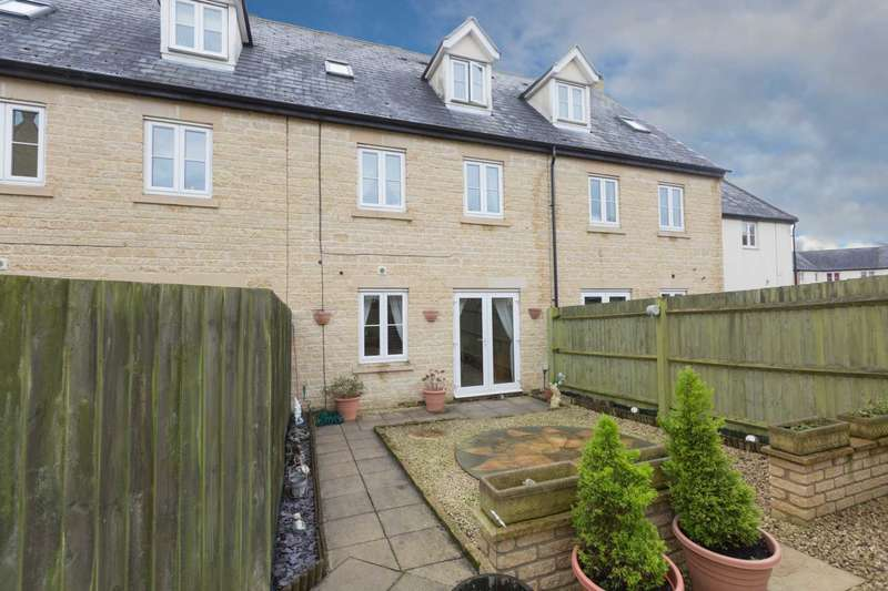 4 Bedrooms Terraced House for sale in The Lawns, Carterton