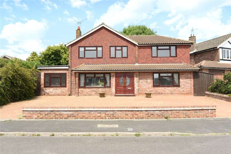 4 Bedrooms Detached House for sale in Wren Crescent, Bushey, WD23