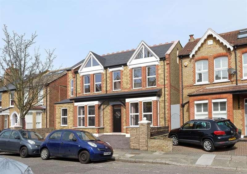 1 Bedroom Studio Flat for sale in Albany Road, Ealing, London, W13 8PG