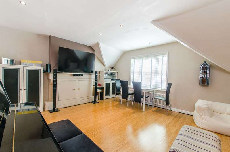 2 Bedrooms Flat for sale in Ingham Road, West Hampstead, NW6