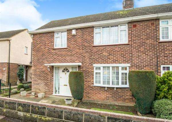 3 Bedrooms Semi Detached House for sale in Franklin Road, Gravesend