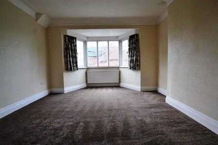 4 Bedrooms Apartment Flat for rent in Old Park Road, Palmers Green