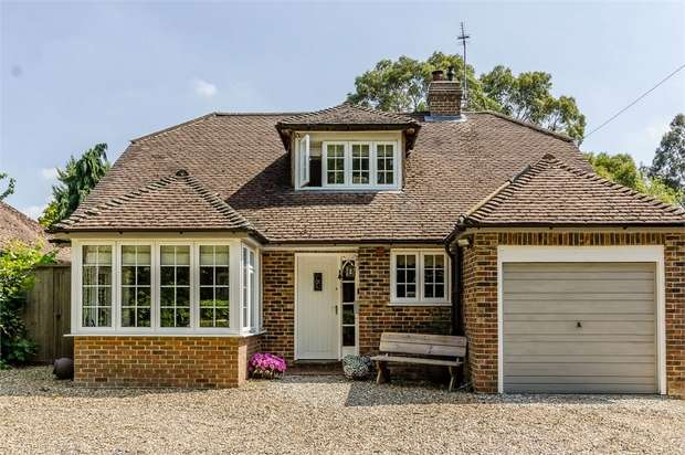 4 Bedrooms Detached House for sale in Stream Lane, Hawkhurst, Cranbrook, Kent
