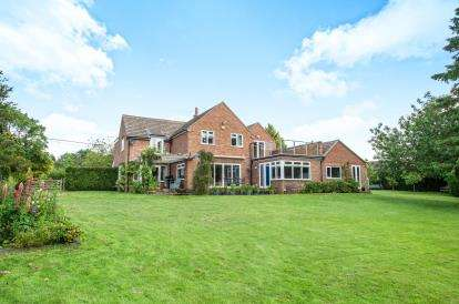 5 Bedrooms Detached House for sale in Dersingham, King's Lynn, Norfolk