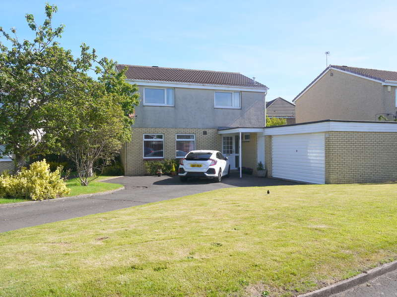 4 Bedrooms Detached House for sale in Coulthard Drive, Prestwick, KA9