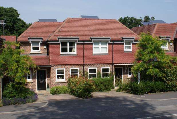 4 Bedrooms Semi Detached House for sale in St. Johns, Woking, Surrey