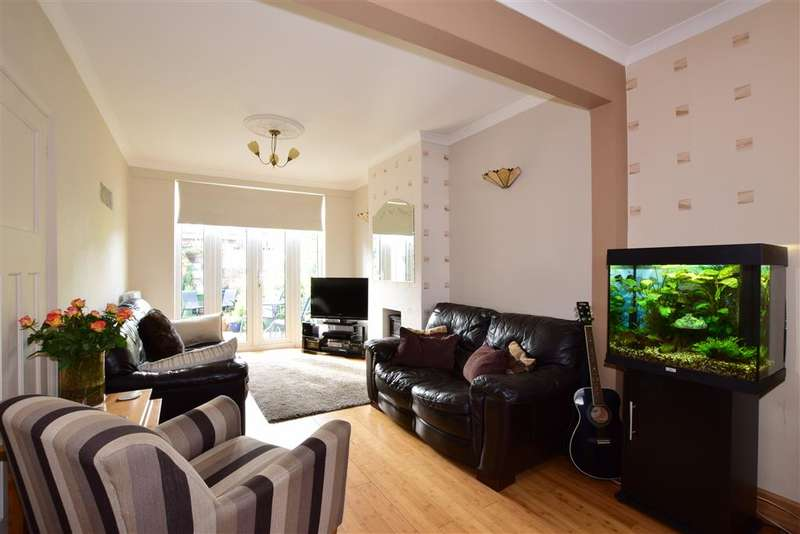 3 Bedrooms Terraced House for sale in Shakespeare Road, Walthamstow, London
