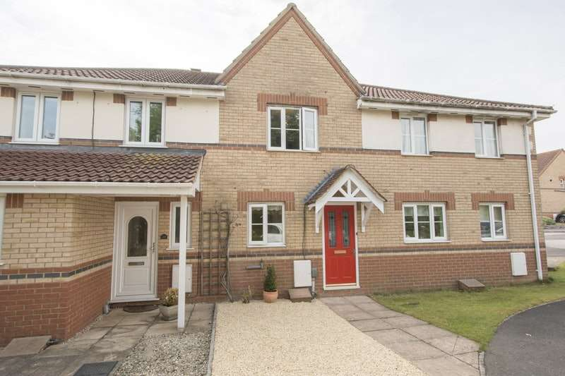 2 Bedrooms Terraced House for sale in Javelin Close, Salisbury, Wiltshire, SP4