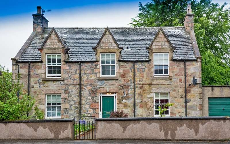 5 Bedrooms Detached House for sale in Main st, Tomintoul, Banffshire, AB37