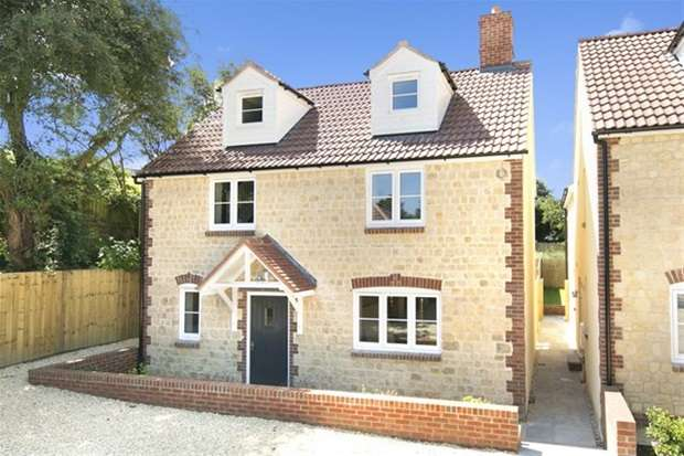 4 Bedrooms Detached House for sale in Squires Court , Corsley, Warminster